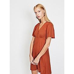 Miss Selfridge - Ribbed button angel sleeve shift dress