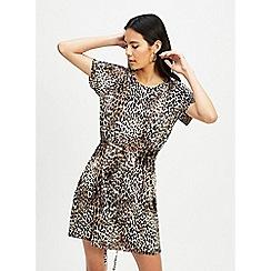 Miss Selfridge - Black Leopard Plisse T-Shirt Dress