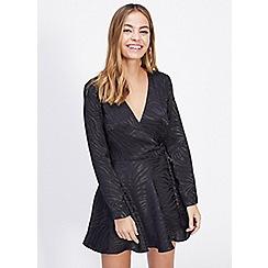 Miss Selfridge - Petite black jacquard zebra print wrap dress