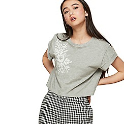 Miss Selfridge - Petite pearl embellished t-shirt