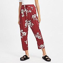 Miss Selfridge - Petite Burgundy Floral Print Trousers