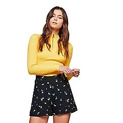 Miss Selfridge - Ditsy flippy shorts