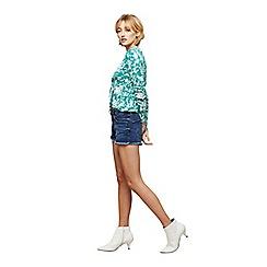 Miss Selfridge - Mid wash shorts
