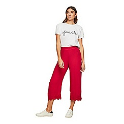 Miss Selfridge - Red crochet crop trousers