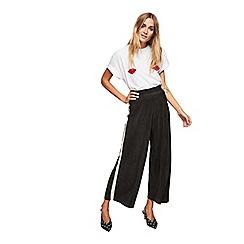 Miss Selfridge - Side striped plisse cropped wide leg trousers