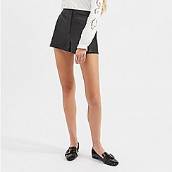 Miss Selfridge - Black pu shorts