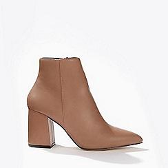 Miss Selfridge - Anastasia pointed toe boots