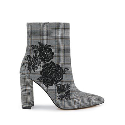 Miss Selfridge - Denmark check embroidered boots