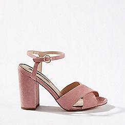 Miss Selfridge - Hadara pink cross over block heeled sandals