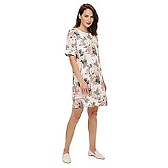 Phase Eight - Pink shevy linen print dress