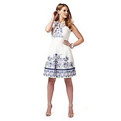 Studio 8 - Sizes 12-26 White philippa dress
