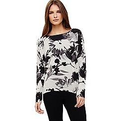 Phase Eight - Dawne daisy print knit top