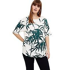 Studio 8 - Sizes 12-26 Green saz palm print knit top