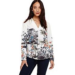 Phase Eight - Grey chiara scenic print shirt
