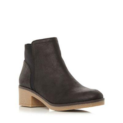 Roberto Vianni - Black 'Penant' crepe sole ankle boot
