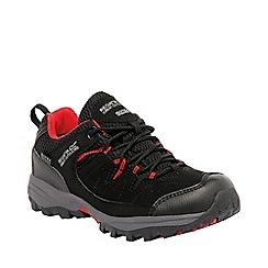 Regatta - Boys Black/ red holcombe waterproof shoe