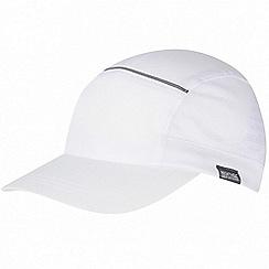 Regatta - White adjustable cap