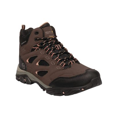 Regatta - Brown 'Holcombe' walking boots