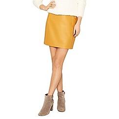 Oasis - Ochre faux leather seamed mini skirt