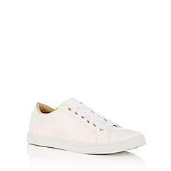 Oasis - White snake patched trainers