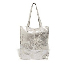 Oasis Silver Unlined Leather Per Bag