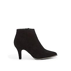 Oasis - Black 'elfie' ankle boots