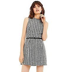 Oasis - Black and white belted mono shift dress
