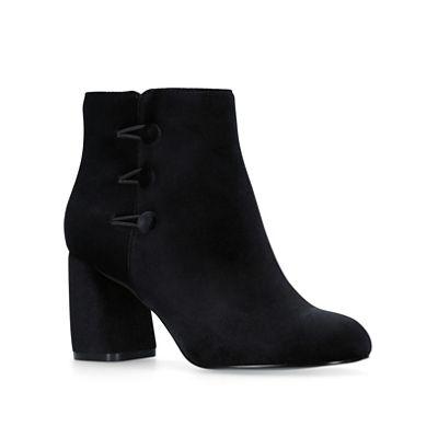 Nine West - 'Khraine' Fashionable and eye-catching shoes