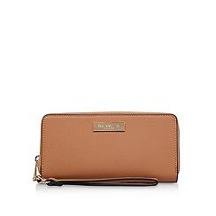 Carvela - Tan 'alexa large wallet' zip wallet