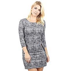 Izabel London - Grey check print shift dress