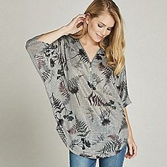 25da942a1b5 Apricot - Grey forest print zip front top