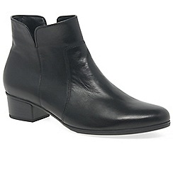 Gabor - Black leather 'Delaware' low heeled ankle boots