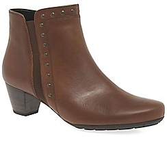 Gabor - Brown leather 'Cheyenne' mid heeled ankle boots