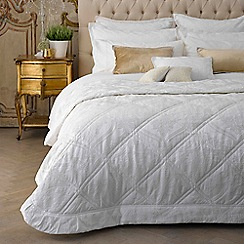 Christy - Warm White 'Rochester' 200 Thread Count Polyester Jacquard Duvet Set