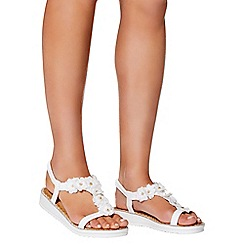 Quiz - White fabric floral flat sandals
