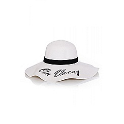 Quiz - White on vacay straw hat