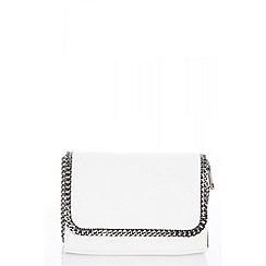 Quiz - White chain trim bag