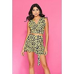 Quiz - TOWIE yellow & black leopard print shorts