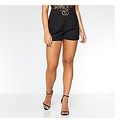 Quiz - Olivia's black buckle shorts