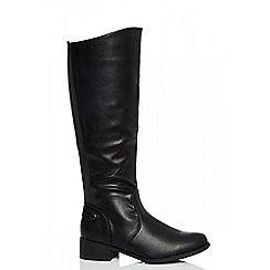 Quiz - Black knee high riding boots