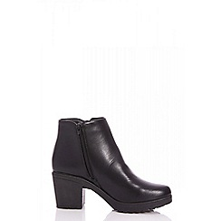 Quiz - Black ring pull block heel ankle boots