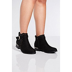 Quiz - Black studded chelsea ankle boots