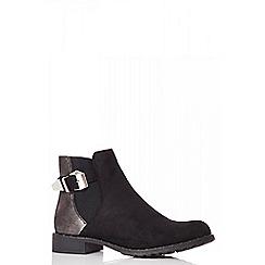 Quiz - Black shimmer back ankle boots