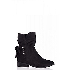 Quiz - Black faux suede ruched ankle boots