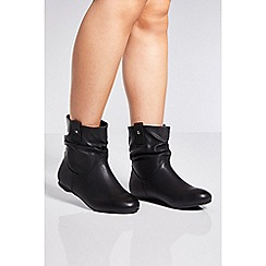Quiz - Black ruched ankle boots