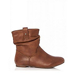 Quiz - Tan ruched ankle boots