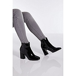 Quiz - Black patent block heel ankle boots