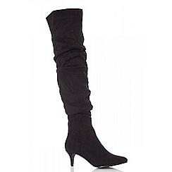 Quiz - Black faux suede kitten heel boots