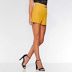 Quiz - Olivia's mustard buckle tailored shorts