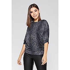 Quiz - Grey light knit necklace batwing top